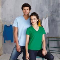 Women's short sleeve v-neck t-shirt