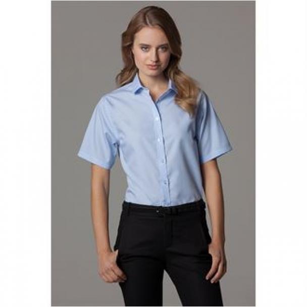 Women's non-iron shirt short sleeved