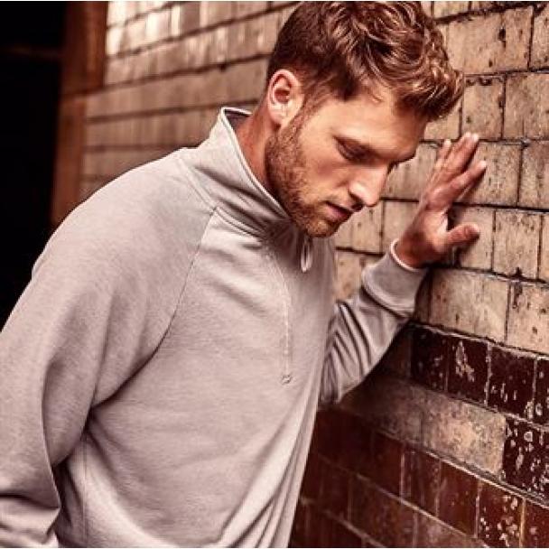 HD � zip sweatshirt